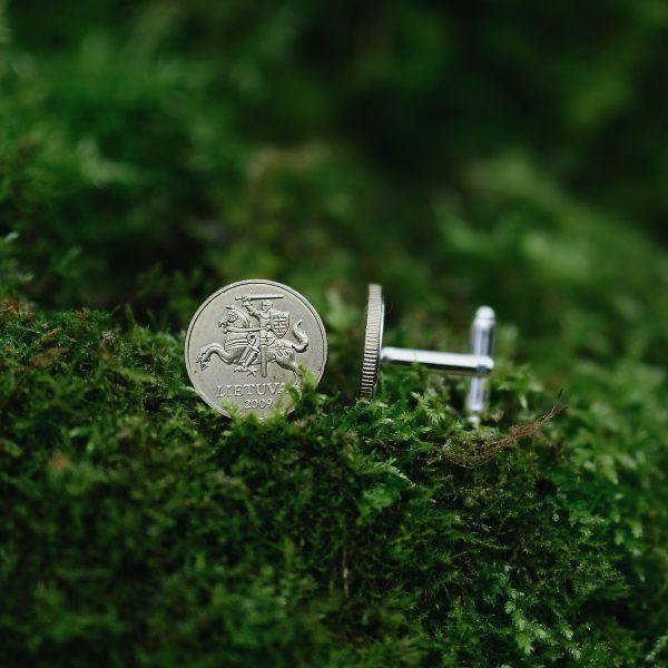 Sasagos is lietuvisku monetu vyrui